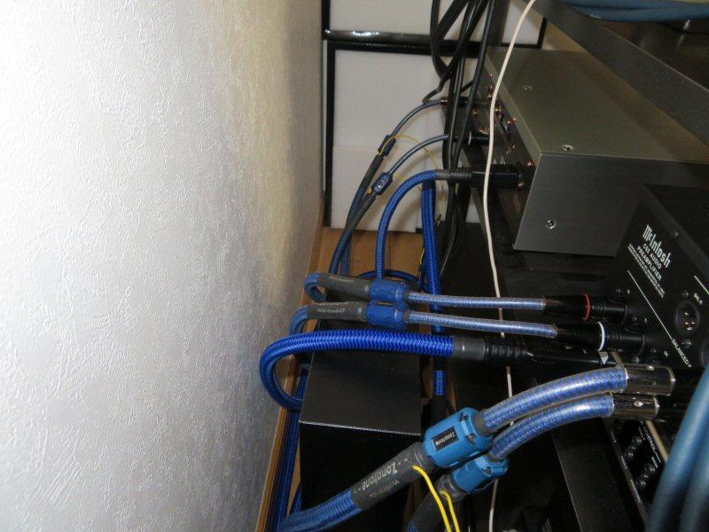 先日のゾノトーン配達のお客様宅に今度はSACDプレーヤー納品